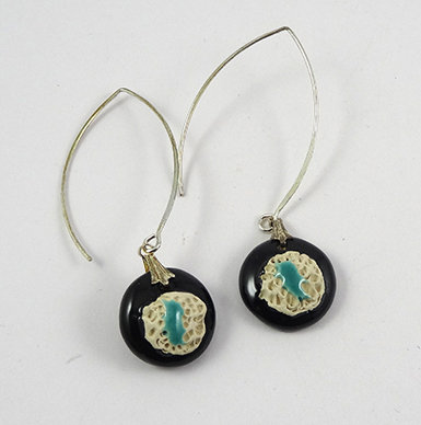 Boucles d'oreilles rondes noir bleu vert blanc en céramique