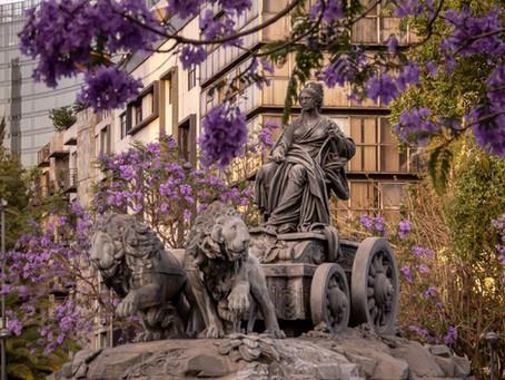 La fuente de Cibeles; una historia griega de amor.