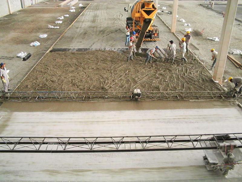 Sistema da Obra: Piso de Concreto com Agregado Mineral.