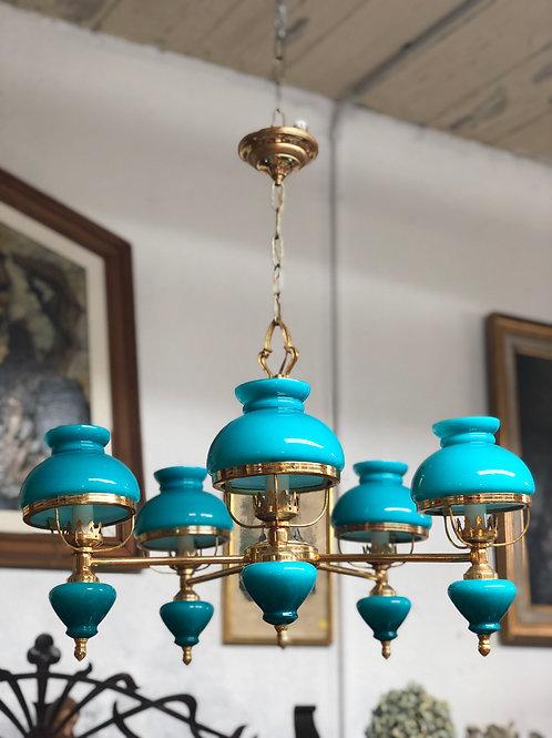 Lámpara techo 5 brazos con tulipas y base de cristal.