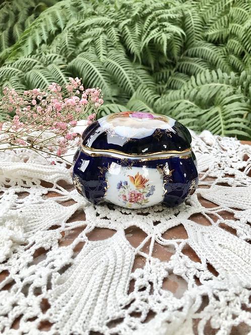 Joyero de porcelana Hispania, Manises