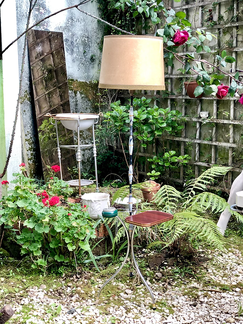 Lámpara de pié vintage.