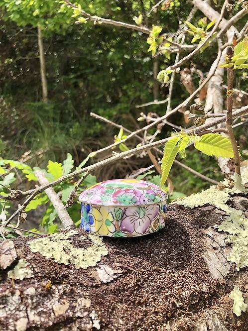 Caja porcelana China.