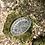 Thumbnail: Entremesera de cristal tallado y base de metal .