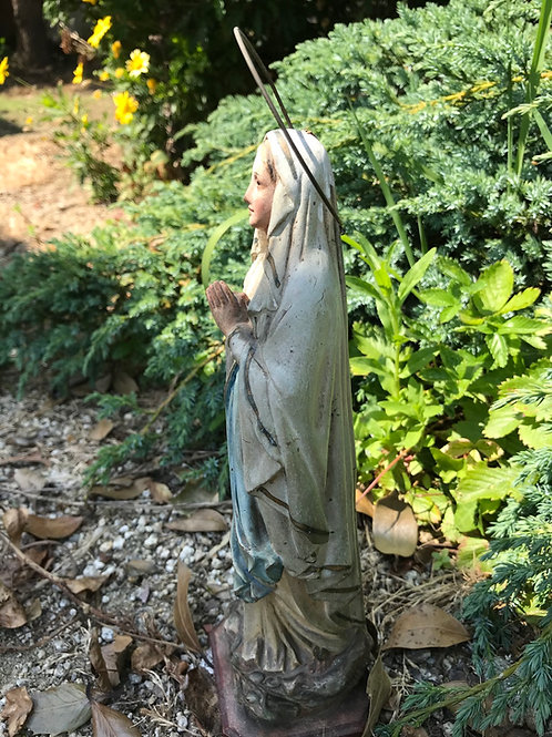 Talla de la Virgen de Lourdes de Olot
