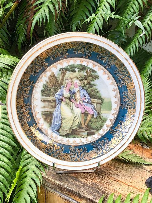 Plato Santa Clara azul. Escenas románticas .