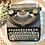Thumbnail: Máquina de escribir Olivetti, modelo ICO.