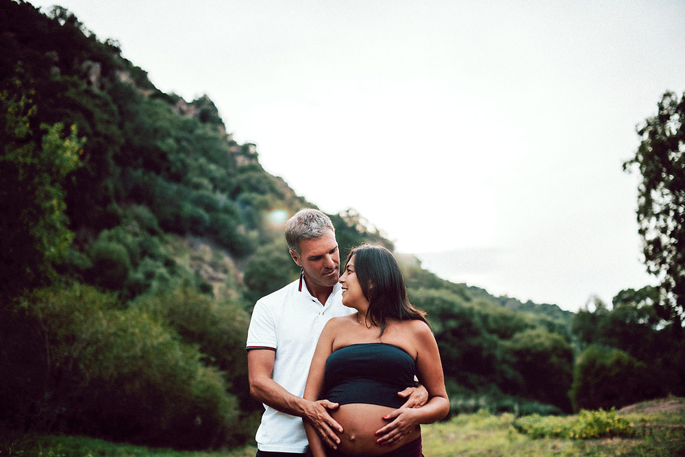 destination-maternity-photographer-sardinia-alghero-mother-pregnant-venice-venezia-swedish-italy-exclusiver-beach-intimate-hockzeit-mariage-flowers-sea-casteldoria-viddalba-fotografo-matrimonio-sardegna-paolo-salvadori
