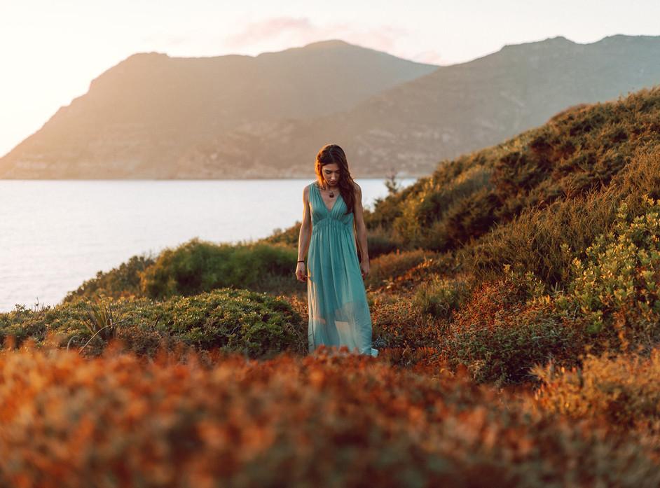 Gift Woman Portrait: Sardinia Portrait Photographer