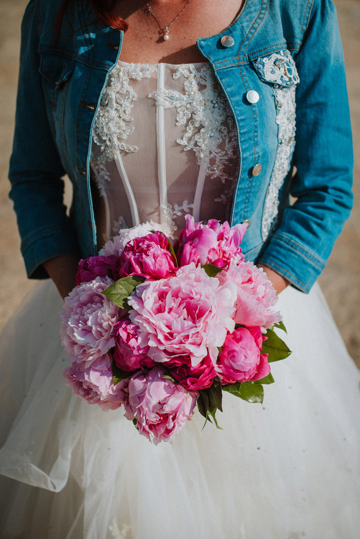 destination-wedding-photographer-sardinia-alghero-cagliari-florence-venice-venezia-firenze-italy-exclusive-luxury-wedding-planner-beach-bride-groom-intimate-hockzeit-mariage-makeup-hair-dresser-bouquet-flowers--paolo-salvadori