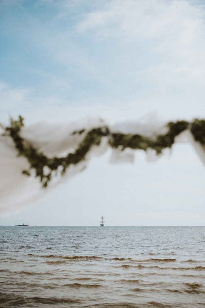 destination-wedding-photographer-sardinia-alghero-cagliari-florence-venice-venezia-firenze-italy-exclusive-luxury-wedding-planner-beach-bride-groom-intimate-hockzeit-mariage-makeup-hair-dresser-bouquet-flowers-sea-paolo-salvadori