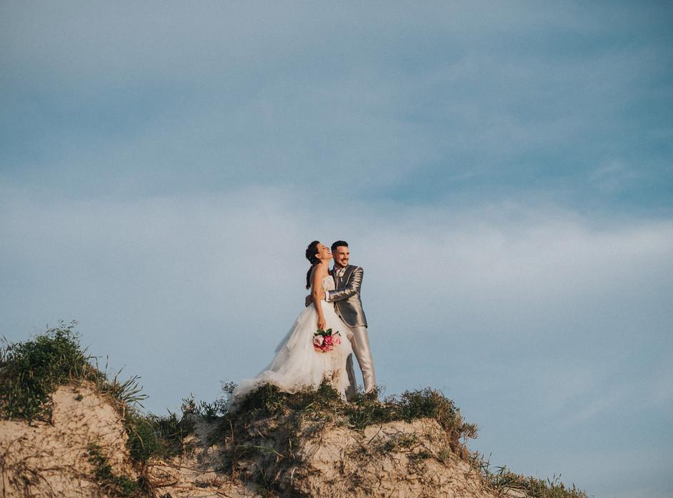 A rock bride for a Celtic Wedding at Alghero's beach, Sardinia Destination Wedding Photographer
