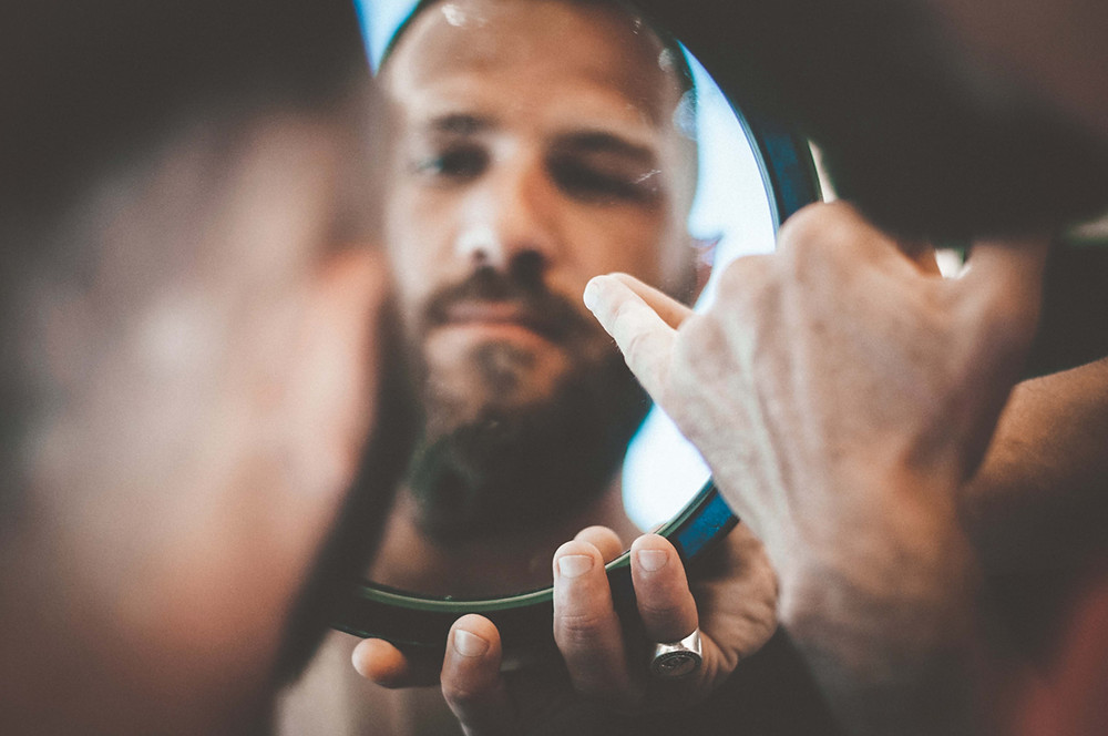 Tony's Barber Shop: Summer Beach Alghero, Sardinia Portrait Photographer