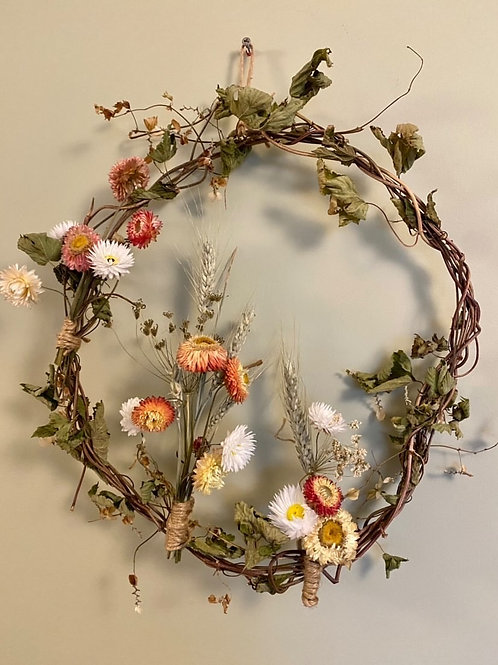 'Daisies in the barley field' organic dried flower wreath
