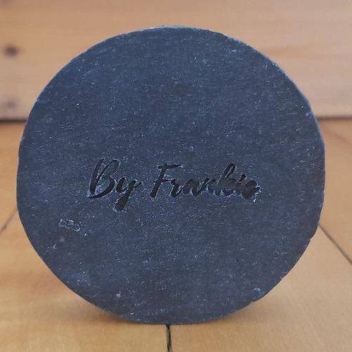 Teatree & charcoal soap By Frankie