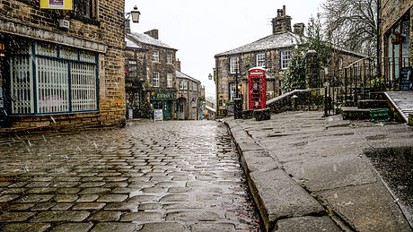 First Snow in Haworth Dec 4th 2020-3.jpg