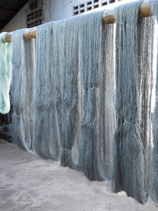 Drying the dyed yarns
