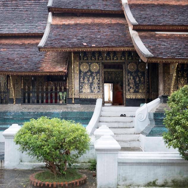 Temple hues...