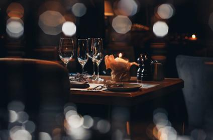 luxury-tableware-beautiful-table-setting-restaurant.jpg