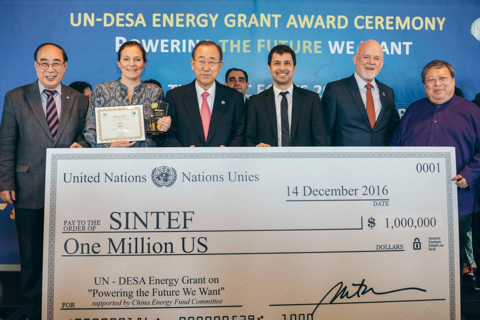UN Grant ceremony