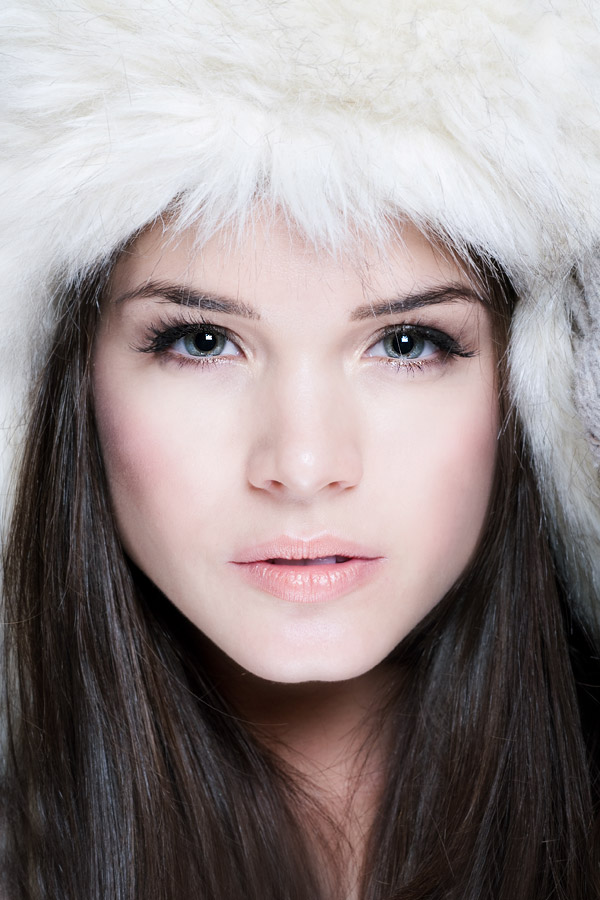 Actress-Marie Avgeropoulos