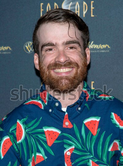 tom-greer-attends-2019-comiccon-600w-145