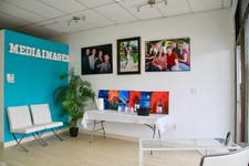 """MEDIAIMAGES Studio """"Sip-N-Paint"""""""