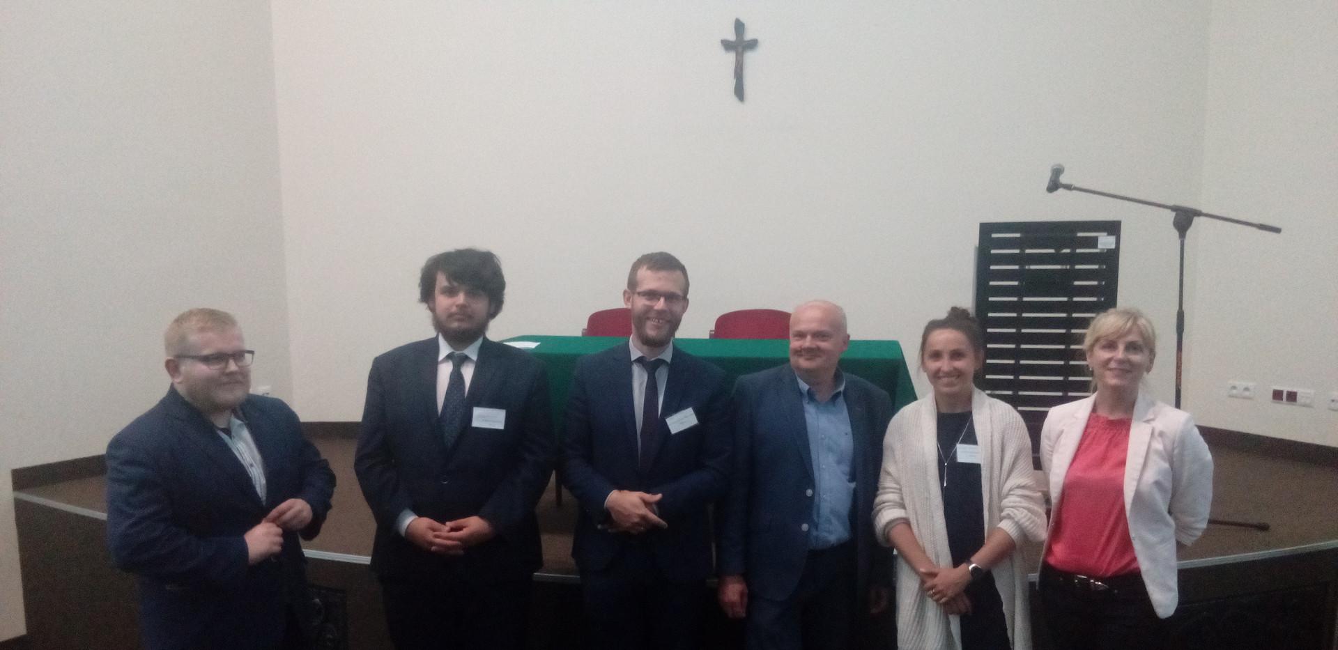 Dr Arkadiusz Meller, mgr Maciej Stawiskidr, dr Arkadiusz Fordoński, prof. Grzegorz Radomski, mgr Paulina Chmielecka i mgr Sylwia Łukasik-Gębska