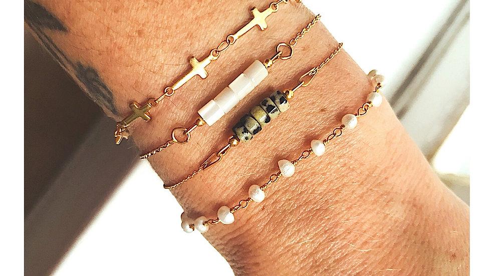 Bracelet doré (acier) croix