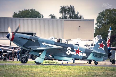Yakolev Yak-9R (2).jpg