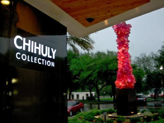 front-of-chihuly-collection.jpg