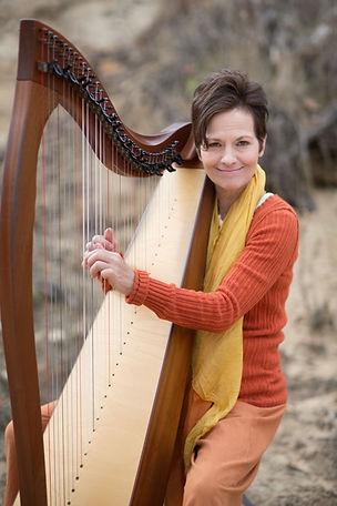harpist Monnique.jpg
