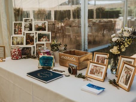 How to style the welcome table at your wedding
