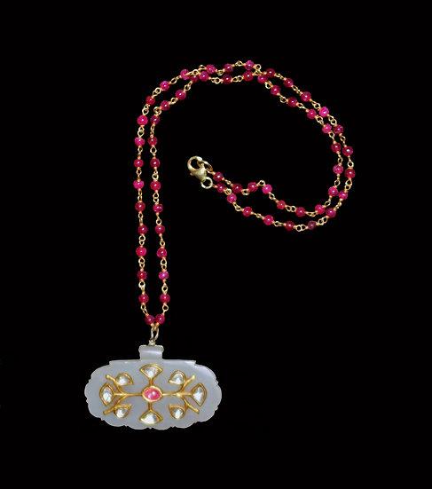 18-19th century Mughal Khotan white jade pendant