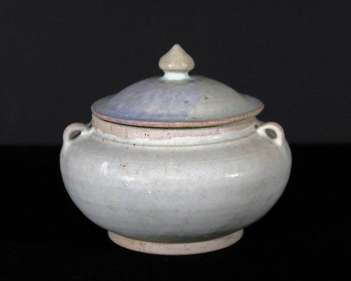 Sisatchanalaiwares, White glazed stoneware