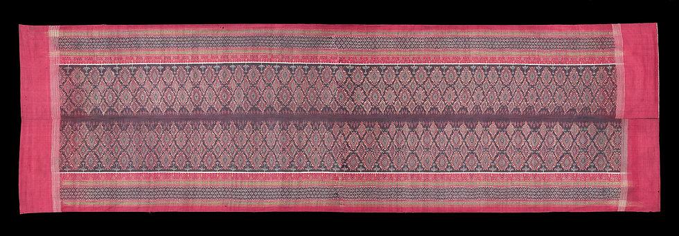 Rare 1850-80s Phaa Tiin Kap or Phaa Puu Long or Phaa Nung, man's wrap pants and