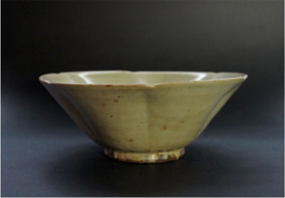 10th century Five Dynasty large tea bowl