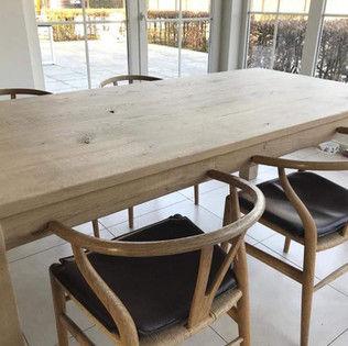 op maat gemaakte tafel & stoelen