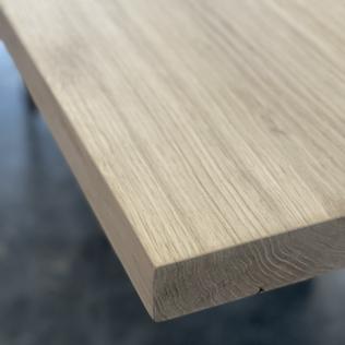 op maat gemaakte houten tafel