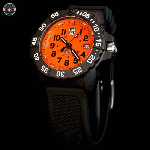 Factory New Luminox Special Edition XS.3509.SC.L Scott Cassell UVP Watch Set