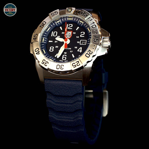 Factory New Rare Luminox 3250 Navy Seal Steel XS.3253 Navy Blue Dial Stainless