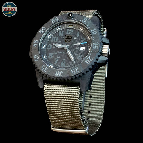 Factory New Luminox Master Carbon Seal 3802.GO.SET 3802