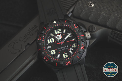 Factory New Luminox Sentry 0215SL Divers Wrist Watch for Men