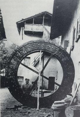 Antica ruota in legno Molino Maufet