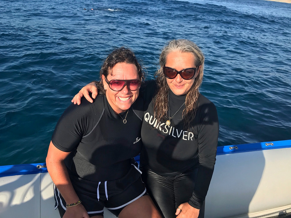 Reeva and Angie all dolphin smiles....