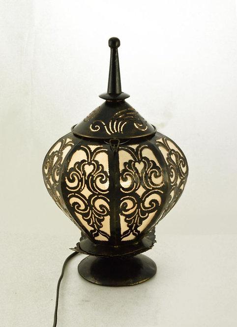 Lampada in ferro battuto nera
