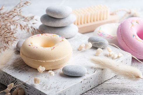 spa-composition-with-bath-bomb-donuts-dr