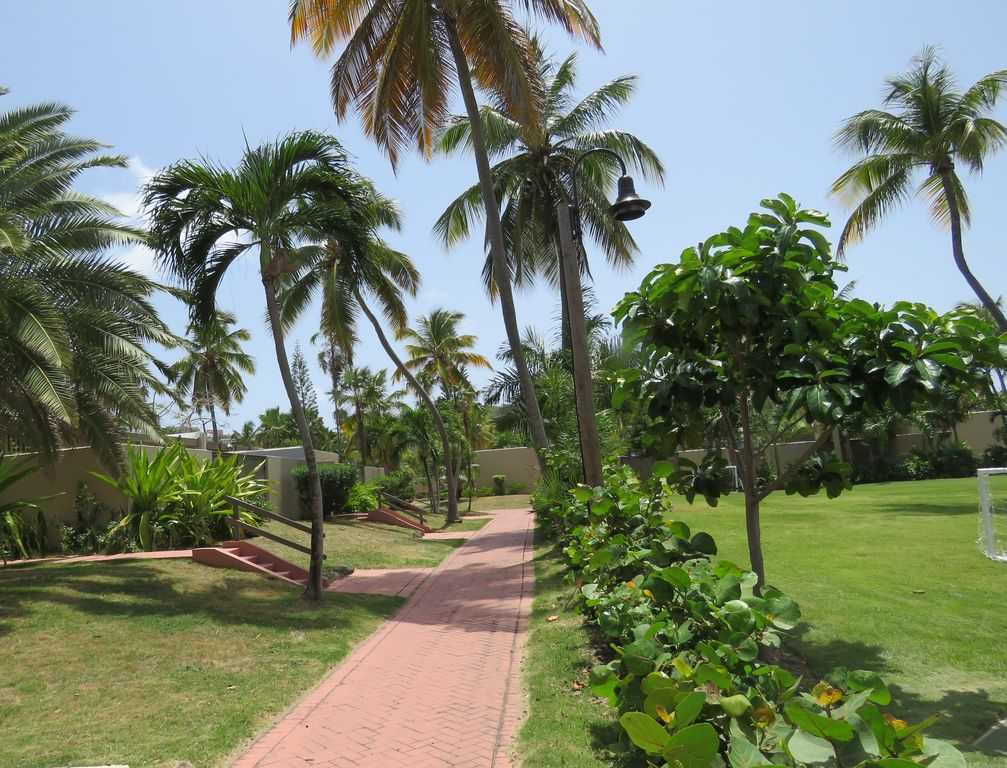The Walkways of Pineapple Village