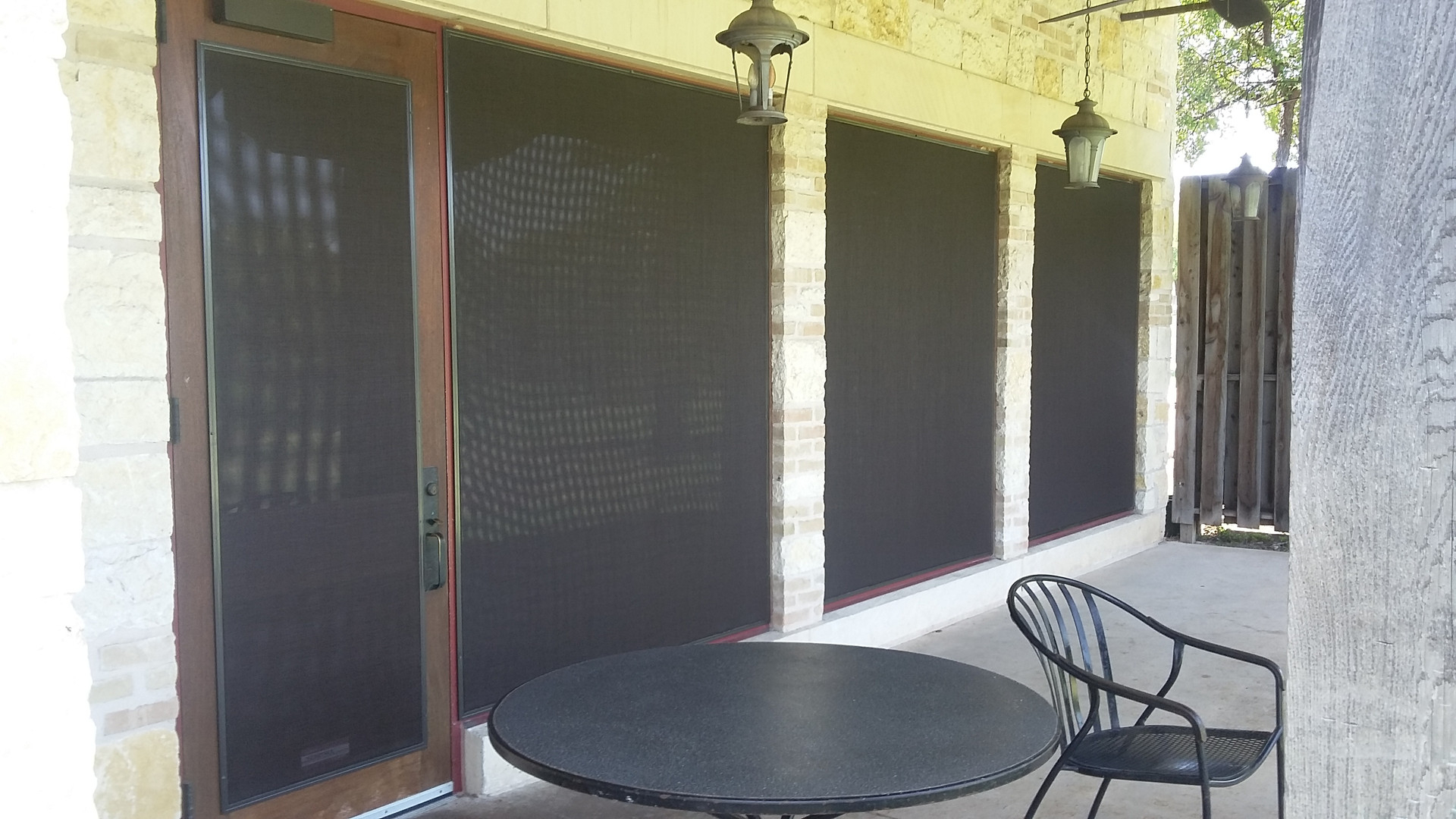 Round Rock La Margarita wearing Josh Hobbs solar window screens.