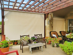 Beige White fabric color Leander TX outdoor patio blinds.